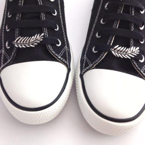 cordones zapatillas hoja
